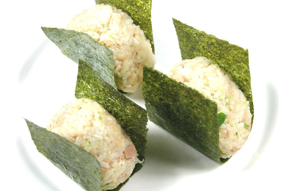 Tuna Mayonnaise Rice Balls (On - cookbuzz